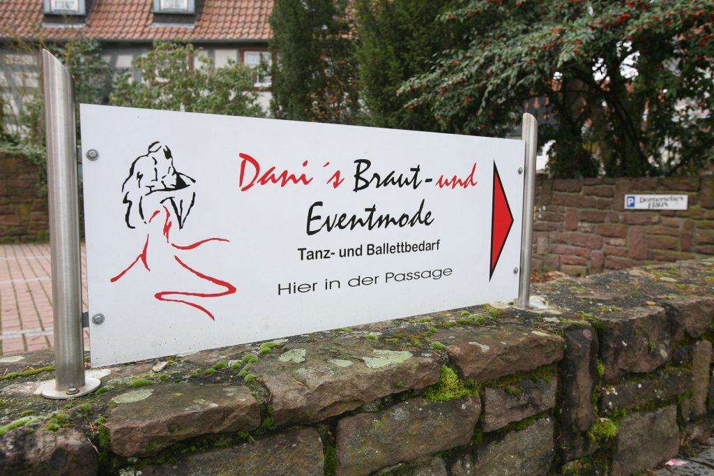Danis Braut- und Eventmode / Tanz- und Ballettbedarf